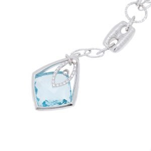 18Kt White Gold and Topaz Necklace